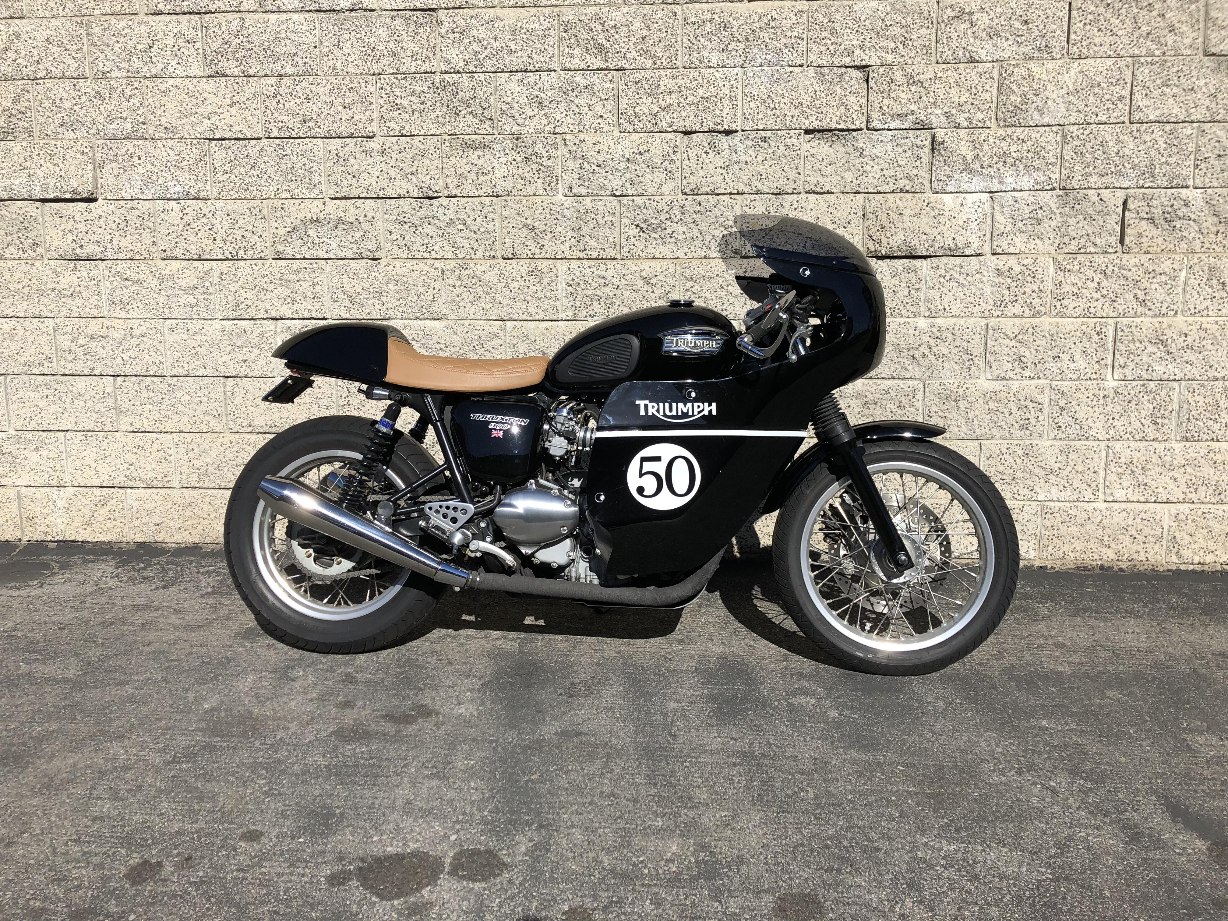 Moto Chop Shop Cafe Racer Bobber Brat